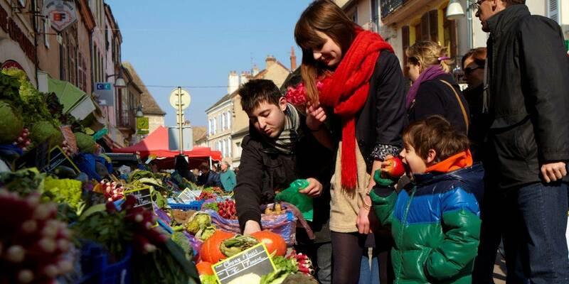 Chagny, Déambulation sur le marché