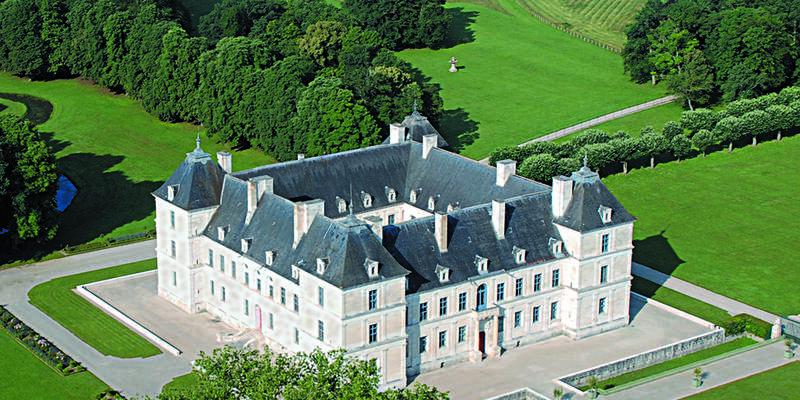 Château d'Ancy-le-Franc vu du ciel
