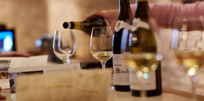 Dégustation de vin blanc, Montrachet