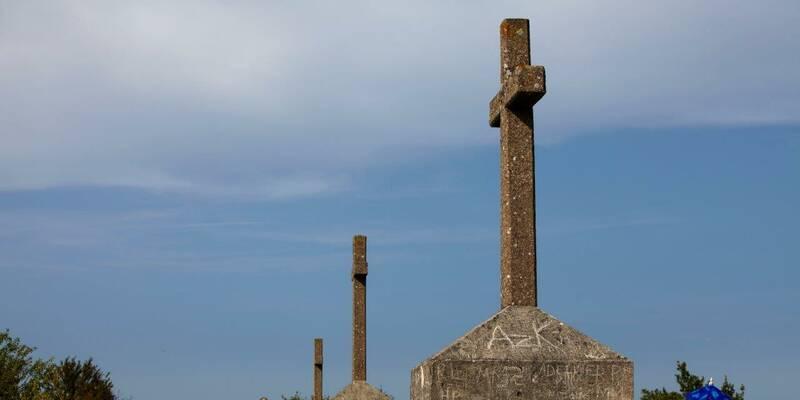 Santenay, Les Trois Croix