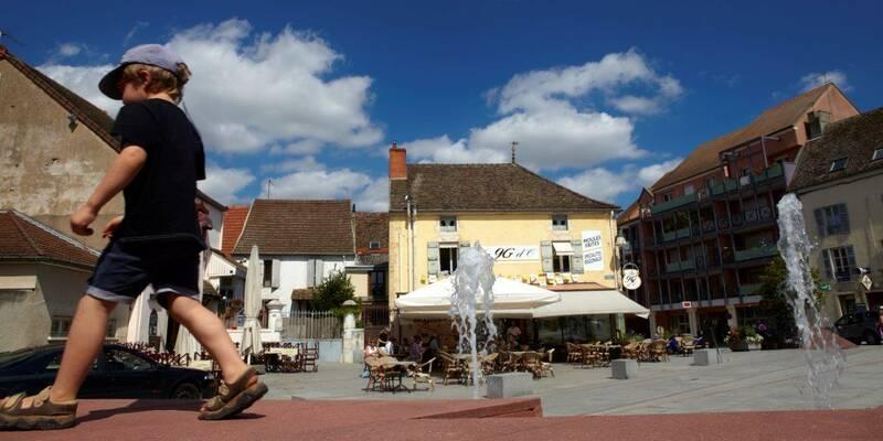 Place de Chagny, Pays Beaunois