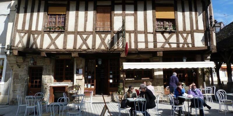 Place de Nolay