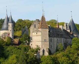 ブルゴーニュのシャトー&修道院
